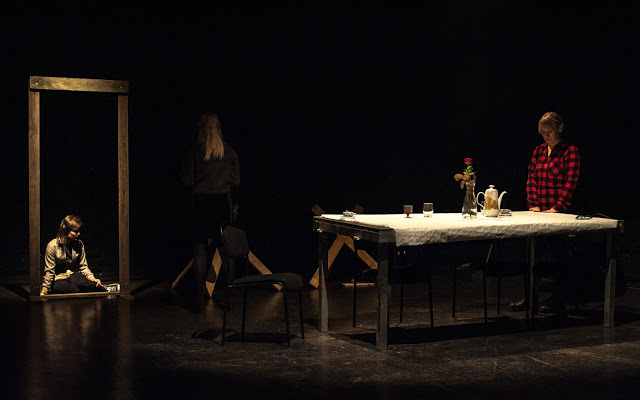 Teatr Kingdom of Curvy Fork